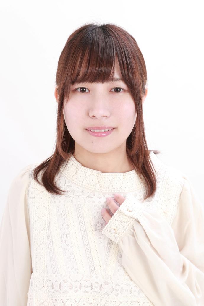 津田 里穂 肖像写真